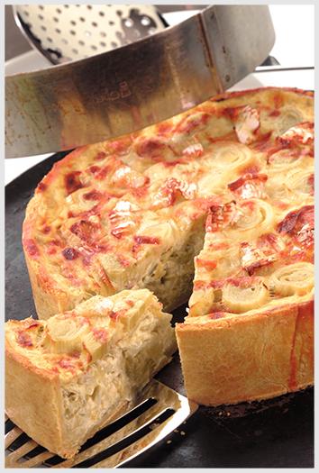 Isigny – Torta de Alho Poró e Brie Isigny com creme de cebolinha